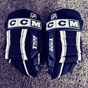 "CCM Tacks 492 14"" Hockey Gloves"